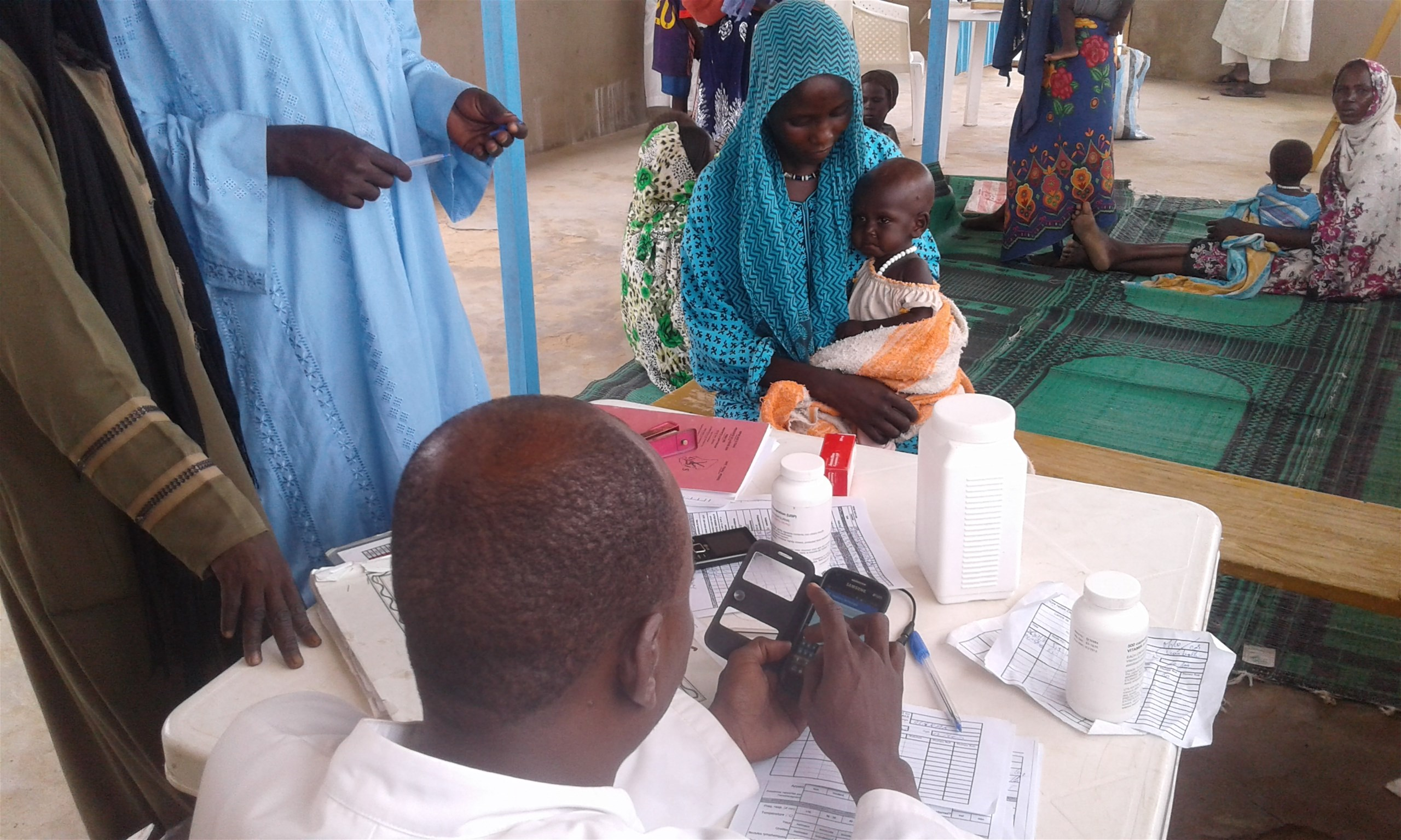 A health worker using the CMAM app in Ouaddai region, Chad