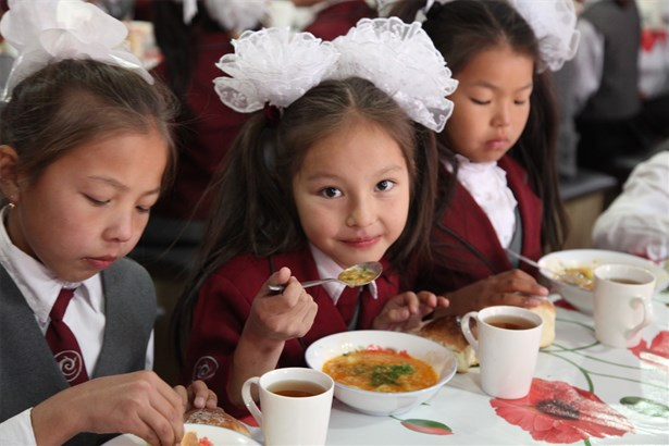 Over 5,000 Kyrgyz school students enjoy nutritious lunches in schools