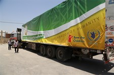 The Saudi Relief Committee and Campaigns packed Ramadan food parcels daily and transported them to Zaatari camp.