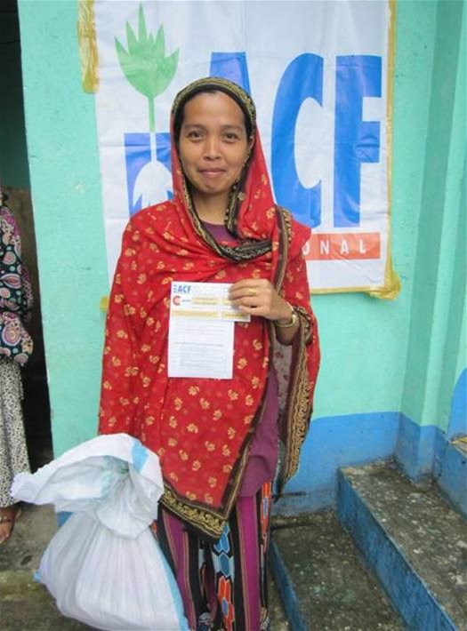 Cash transfer for families affected by Typhoon Bopha in the Philippines in 2012